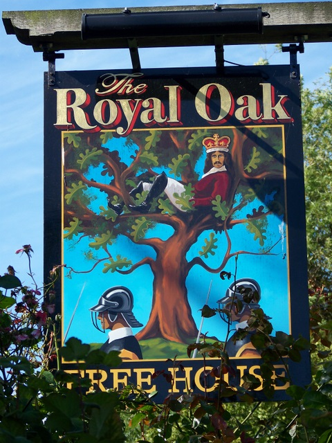 Sign_for_the_Royal_Oak_-_geograph.org.uk_-_1469582