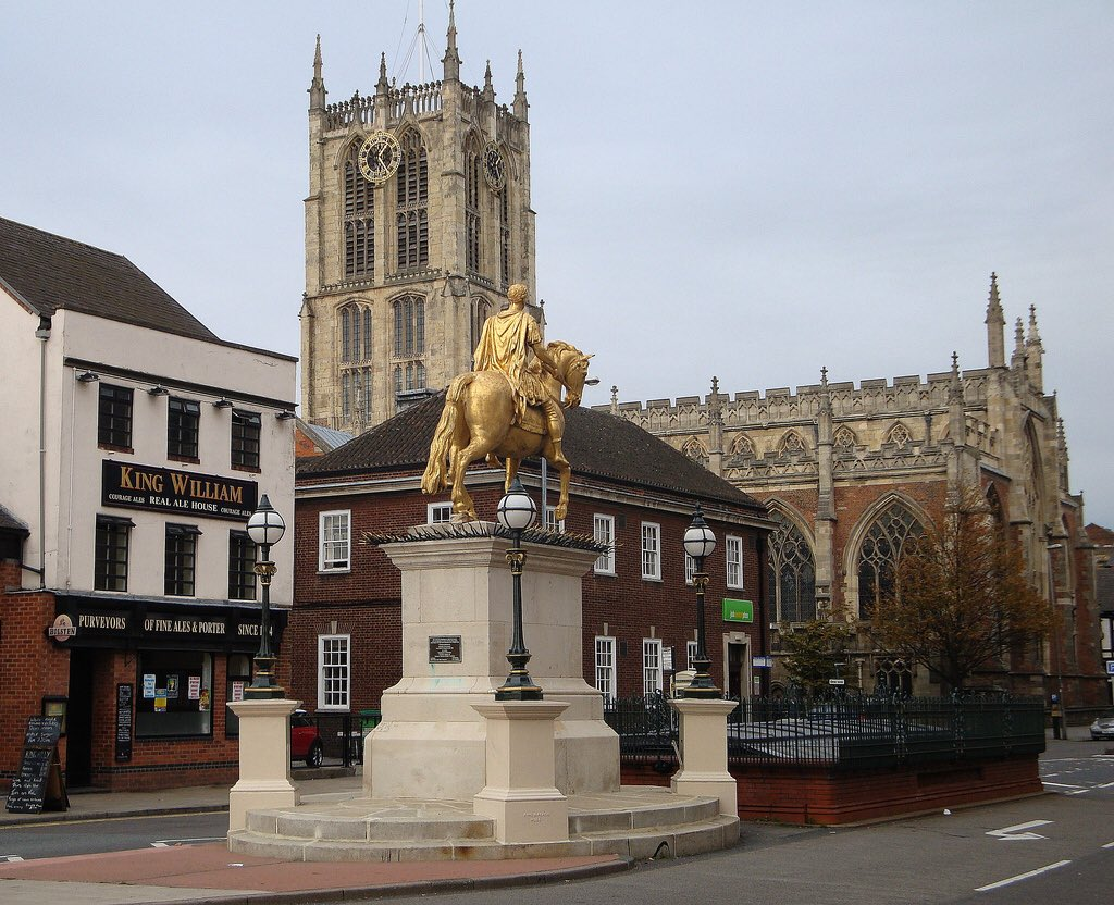 Golden statue of King William III, known as 'King Billy' and his local pub